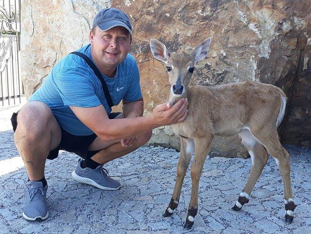 Předseda fotbalového Slovanu Velvary David Vedral má ještě další životní lásku - zvířata.