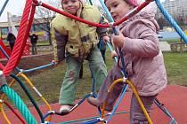 Návrh letošního kladenského rozpočtu počítá také s investicemi do dětských hřišť.