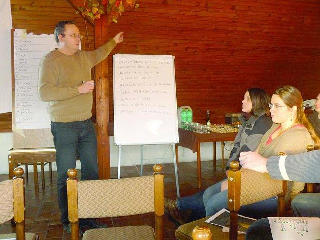 Starosta Libochoviček Jan Kala vybírá spolu s občany, kam zainvestují získané peníze