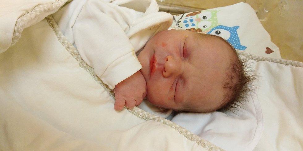 Matěj Kára se narodil 7. ledna 2021 v 0. 40 hodin v čáslavské porodnici. Vážil 3480 gramů a měřil 50 centimetrů. Doma v Kutné Hoře se z něj těší maminka Kateřina, tatínek Roman a čtyřletý bráška Vítek.