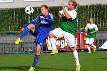 Slaný (v modrém) porazilo doma Lhotu 1:0. Galbavý a Nachtigal.