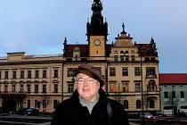Kladenský zpěvák, skladatel a spisovatel Jiří Rezek.