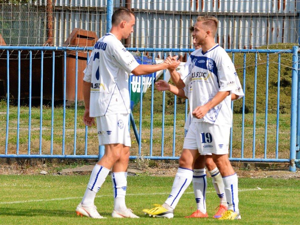 SK Kladno (v bílém) porazilo v divizi B hostující Nymburk 2:1.