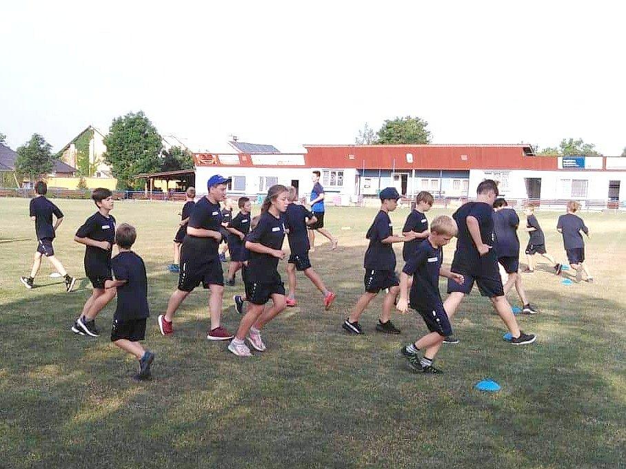 Povedený kemp mládeže pořádal na svém hřišti SK Zlonice.