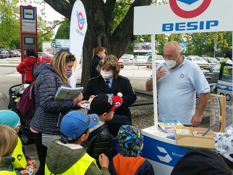 Akce Bezpečně na kole prověřila v Kladně desítky cyklistů.