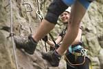 Na ferratě si svou dobrodružnou cestu najdou jak děti, tak i zkušení lezci.