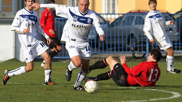 ČFL: Podzimní část zakončili kladenští borci důležitou tříbodovou výhrou. // SK Kladno - MFK Chrudim 2:0, hráno 24. 11. 2012