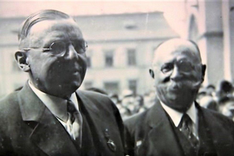 Kladeňák Antonín Čermák na návštěvě v Kladně v roce 1932.