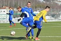 Fotbalová příprava: Hostouň B (ve žlutém) přehrála Libušín 5:1.