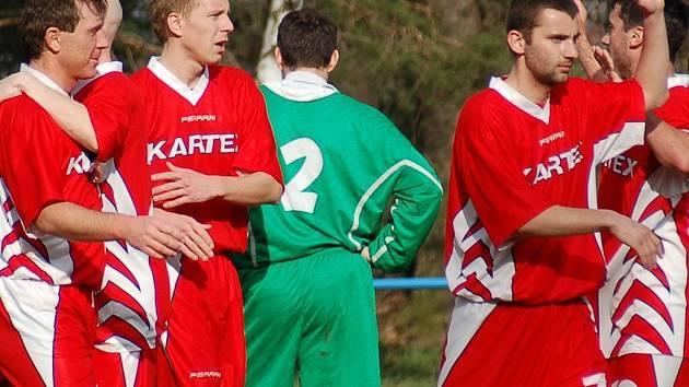 Braškovská radost z gólu. Tým jich dal v sezoně tolik, že to stačilo na postup.