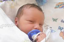 Jan Sluka, Velvary. Narodil se 3. července 2015. Váha 3,7 kg, míra 53 cm. Rodiče jsou Marcela Sluková a Josef Hora (porodnice Slaný).