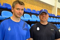 No ví trenéři hokejového Kladna - vprzavo hlavní Jindřich Lidický, vlevo asistent David Čermák