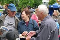 Na Masarykově náměstí se sešlo plno místních.