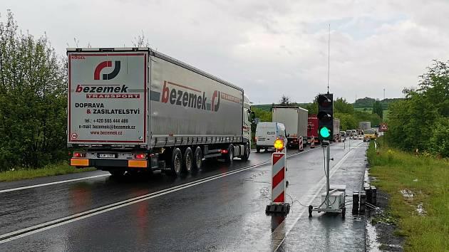 Omezení dopravy kvůli opravě mostu v Kutrovicích.