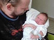 JAKUB FRONĚK, PCHERY. Narodil se 17. října 2018. Po porodu vážil 3,39 kg a měřil 49 cm. Rodiče jsou Pavlína Soukupová a Jiří Froněk, sestra Kája. (porodnice Kladno)