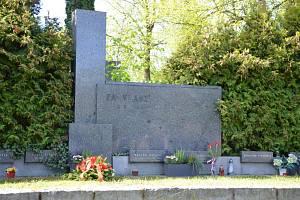Vzpomínku padlých rudoarmějců a občanů Brandýska uctili na tamním hřbitově