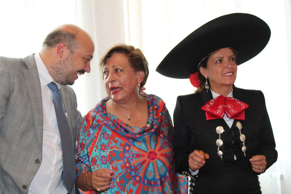Čestnou občankou Lidic se za svou záslužnou činnost stala Edna Gómez Ruiz z Mexika.