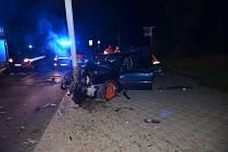 Vážná dopravní nehoda se stala v Kladně na hlavní silnici v sousedství gymnázia. Kus od místa, kde vloni havarovali tragicky strážníci