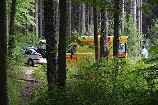 Oživování muže nalezeného nedaleko Kožovy hory