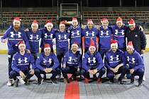 Hokejbalisté Kladna poslali fanouškům vánoční pozdrav. Vlevo nahoře je Dominik Barnošák