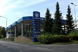 Čerpací stanice v Libušině ulici v Kladně je na odlehlém místě. Přepadena byla už i v minulosti.