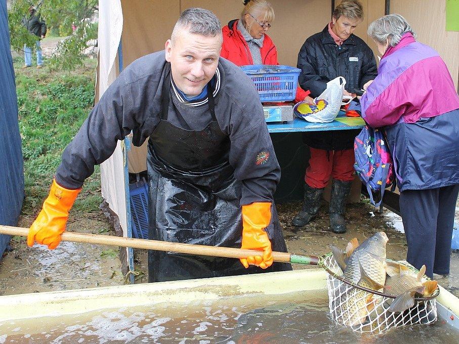 Výlov rybníka U Jelena v Luníkově 2016