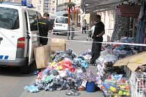Zabavování padělků značkového zboží ve třech kladenských obchodech, pátek 20. července 2012