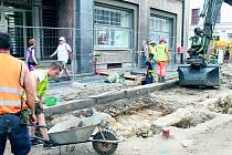 Součástí rekonstrukce slánské Londy - Husovy ulice je i archeologický průzkum