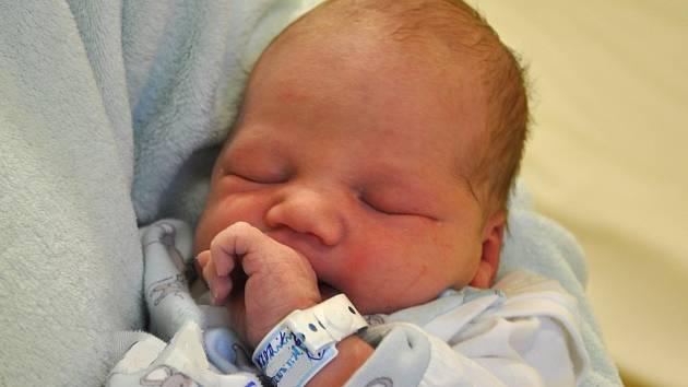 Vojtěch, Benešov. Narodil se 1. ledna 2021. Po porodu vážil 3,8 kg. Maminka je Markéta, bratr Jirka. Vojtěch byl prvním miminkem\, které se v roce 2021 narodilo v benešovské porodnici.