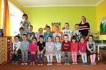 Třída Kopretinka pod vedením učitelky Jaroslavy Schořové starší a ředitelky Edity Bílkové.