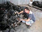 Kladenští policisté rozbili gang zlodějů automobilů.