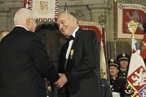 NA PODZIM LOŇSKÉHO ROKU byl úspěšný podnikatel Zbyněk Frolík vyznamenán prezidentem republiky.