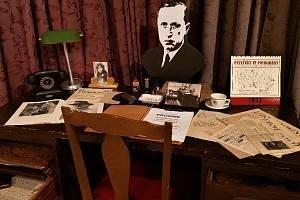 Výstava Život a doba spisovatele Karla Čapka v Lánech.