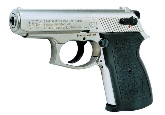 Plynovou pistoli namířil zloděj na pracovníka ochranky.