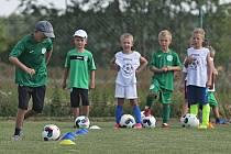 Dobrovíz hostila od 14. do 18. srpna 2017 mládežnický fotbalový kemp Sokolu Hostouň