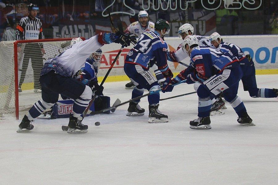 Kladno (v bílém) hostilo v hokejové extralize Kometu Brno.