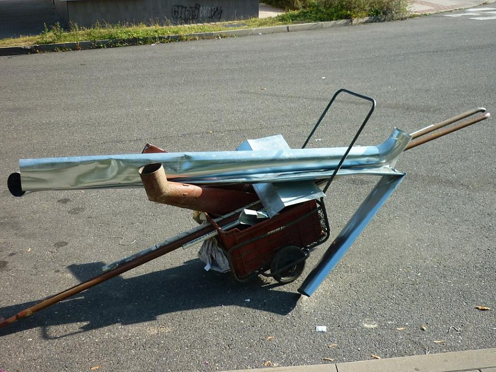 Tento vozík chlapci táhli.