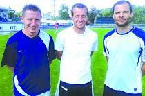 Tito tři borci s prvoligovými zkušenostmi by se mohli na podzim potkat v dresu SK Kladno. Před včerejším prvním tréninkem se nechali zvěčnit Václav Kalina, Jan Procházka a Pavel Bartoš.