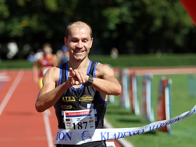 Vítěz maratonu Petr Minařík AK Zlín, čas 2:41:14 //Kladenský maratón 2013
