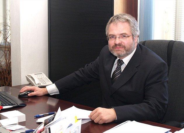 Dan Jiránek chce podporovat vznik rychlodráhy.
