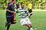 Lhota (v zelenobílém) v prvním duelu sezony nestačila doma na SK Rakovník a podlehla mu vysoko 0:3.