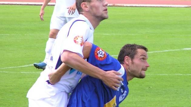 Jiří Kaciáň (v tmavém) se vrátil do sestavy Kladna, ale jen do B týmu. Kromě něj i Pavel Veleba, abi jeden si totiž zatím nenašel angažmá. .