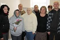 Vlasta Kohoutová (druhá zleva) s podlešínskou volební komisí