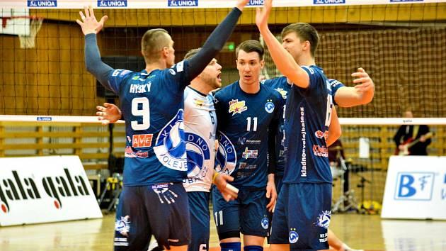 Volejbalové Kladno vstoupilo do čtvrtfinále hladkou výhrou nad Příbramí.