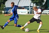 MOL Cup: Velvary (v modrém) - Chomutov 3:1.