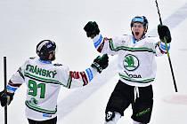Mladá Boleslav (v bílém) přemohla Kladno 6:3. První gól v kariéře dal i mladík Klikorka.
