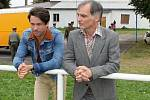 Natáčení nového televizního seriálu Svět pod hlavou. Některé scény vznikají například na fotbalovém hřišti v Srbči