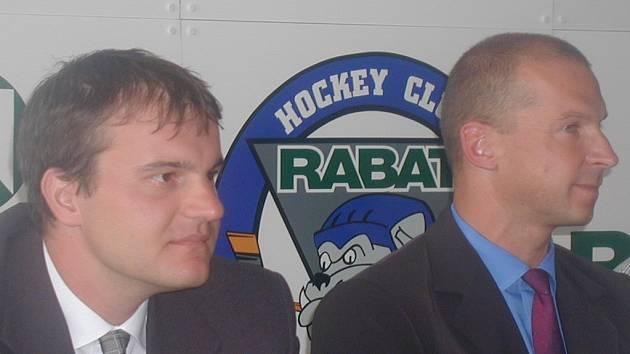 Generálnímu manažerovi Otakaru Černému (vlevo) patří omluva Kladenského deníku.