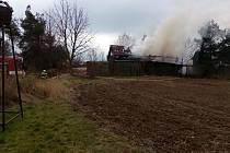 U Libovice hořela stodola.