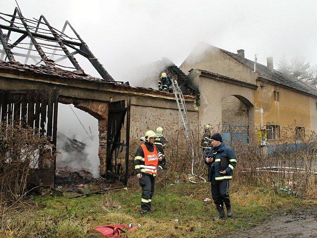 Středeční požár v Bakově